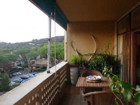 Vendita Appartamento COSTA TIRRENICA: PUNTA ALA. Vendesi, elegante appartamento di circa 90 mq, posto al piano primo ed...