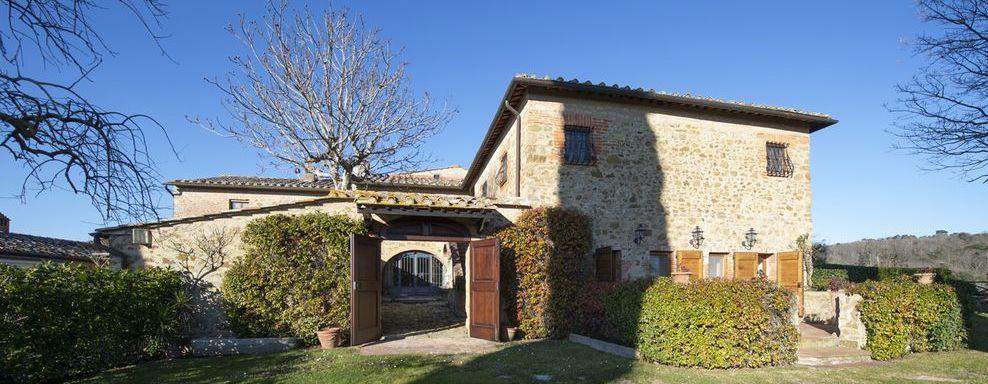Vendita Casale/Rustico VILLA ARCENO - CASTELNUOVO BERARDENGA (SI). All'interno della meravigliosa tenuta di Arceno,...