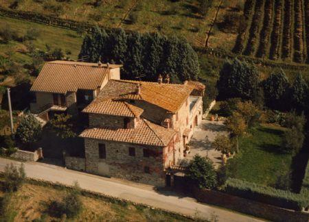 Vendita Casale/Rustico CHIANTI: SAN GUSME' (CASTELNUOVO BERARDENGA). Antica casa colonica in posizione di facile accesso e...