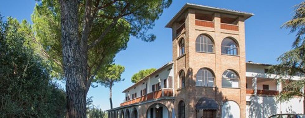 Vendita Azienda agricola VAL D'ELSA. Azienda agricola in posizione collinare, con vista dominante su San Gimignano e l'Alta...