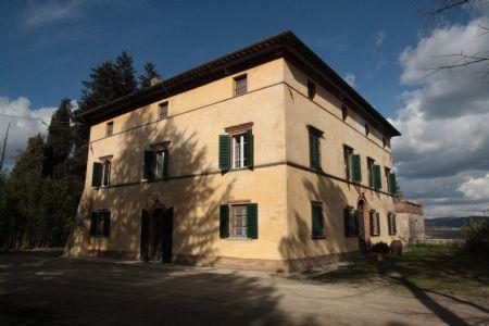 Vendita Azienda agricola A CIRCA 10 KM DA SIENA (COMUNE DI MONTERIGGIONI). Vendesi, in posizione panoramica,  a soli 20...