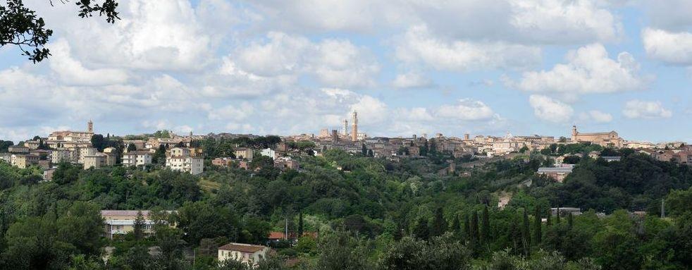 Vendita Villa SIENA. Vendesi, in splendida posizione panoramica con bellissima veduta sulla città, villa...