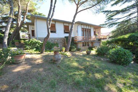 Vendita Villa CHIANTI: CASTELLINA IN CHIANTI. Vendesi, villa unifamiliare di circa 350 mq, a pochi passi dal...